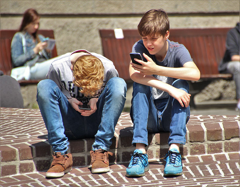 kids using their phones