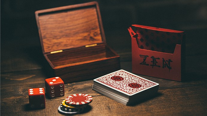 Royal Zen Playing Cards (Red) - magic