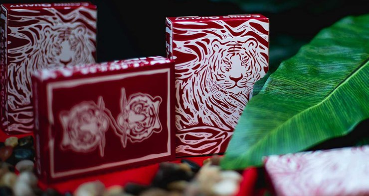 The Hidden King Red Luxury Edition Playing Cards - magic