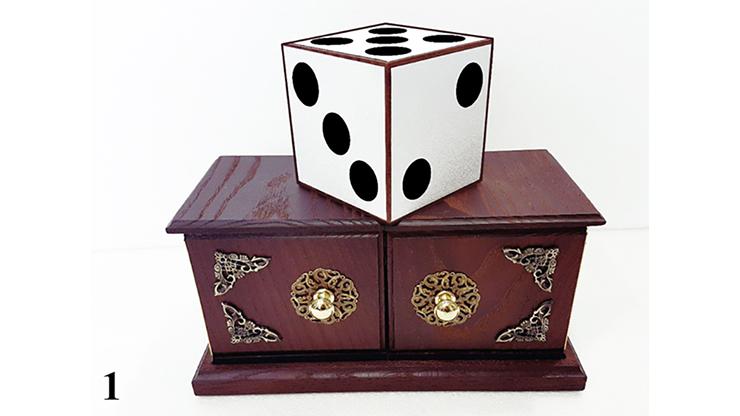 Tora Antique Dice Box - magic