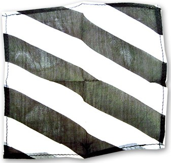"Zebra Silk 18"" (Black & White) - magic"